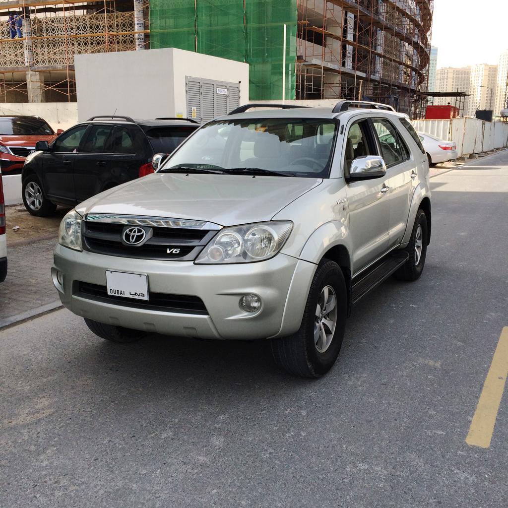 Toyota Fortuner v6 4L Arabian Model