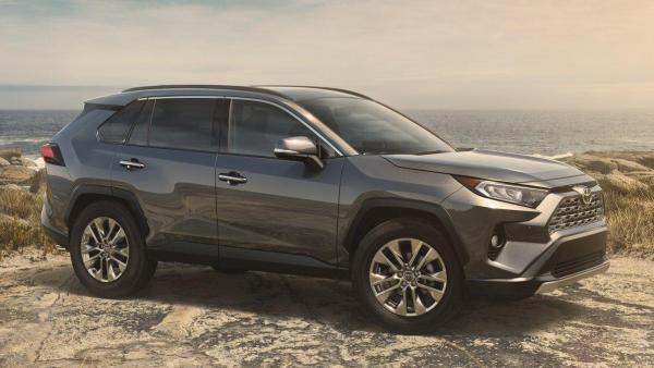 2019-toyota-rav4-new-york-front-7357-default-large.jpeg